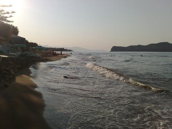 Girogiali Apartments: παραλία
