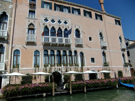 Front of Ca' Sagredo Hotel from Grand Canal