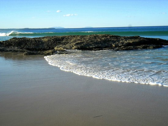 Forster, Australien: beach and rock crop