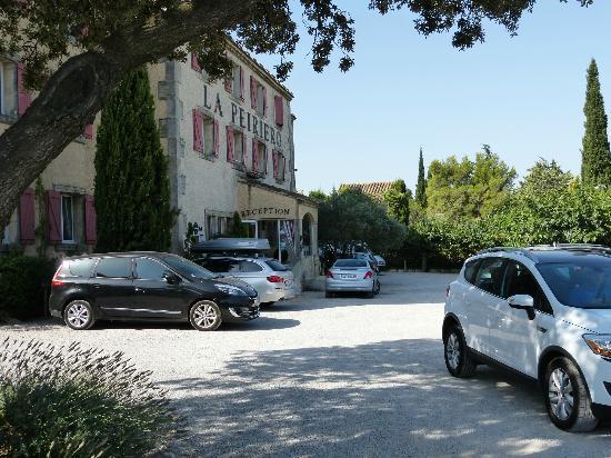 La Peiriero: Entrée et parking