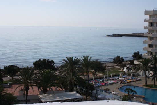 Hotel Palia Sa Coma Playa: Superbe vue de la chambre au 6e étage, mais super bruyant