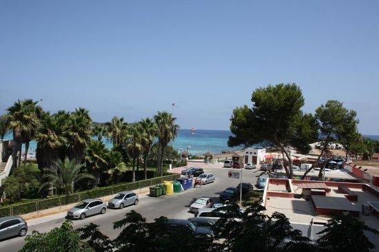 Hotel Palia Sa Coma Playa: Vue de la chambre 2e étage derrière, pas mal, plus calme