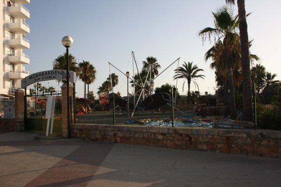 Hotel Palia Sa Coma Playa: A EVITER IMPERATIVEMENT MEGAGARDEN, ils n'aiment pas les Français!!