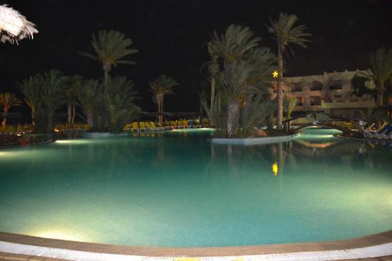 Safira Palms Hotel & Spa: Piscine la nuit