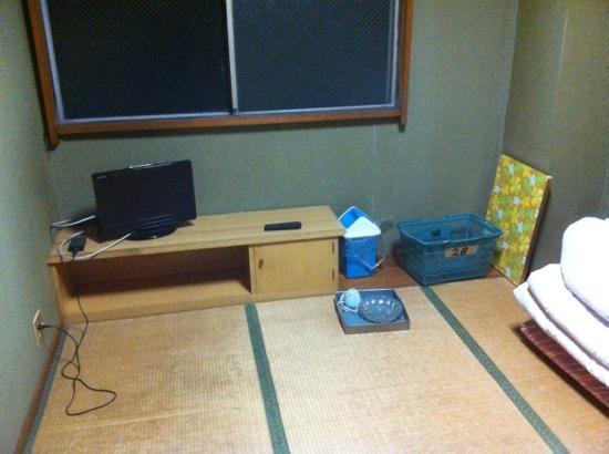 Business ryokan Midori: ツイン三畳ゴザ