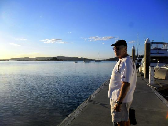 Thou Walla Sunset Retreat: checking out the harbour when we first arrived