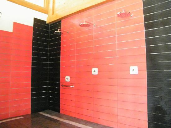 Residence CGH La Reine Des Pres : douches
