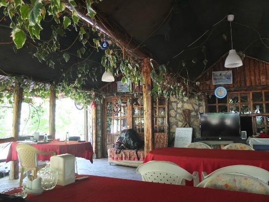 Canan Holiday House: la terrrasse