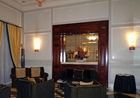 Hotel Savoy: Savoy sitting room