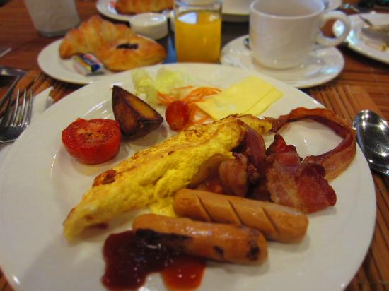 Khum Phaya Resort & Spa, Centara Boutique Collection: breakfast