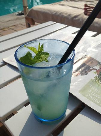 Belmond Grand Hotel Timeo: Mojitos by the pool