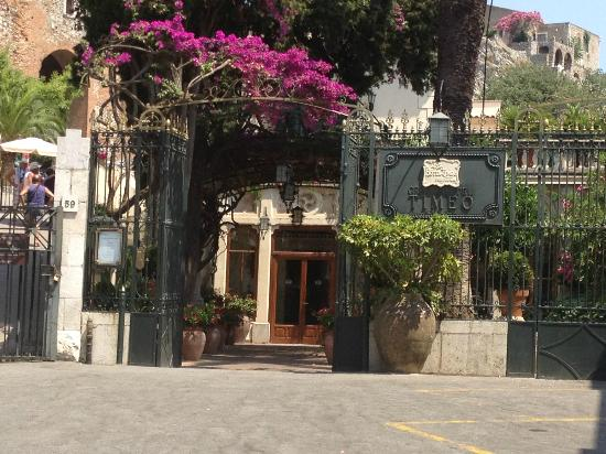 Belmond Grand Hotel Timeo: Hotel entrance