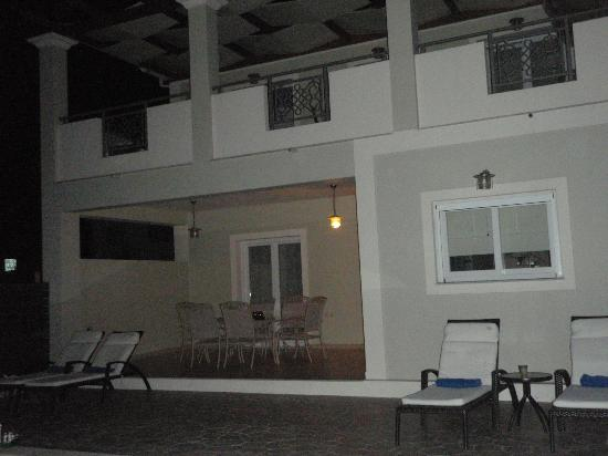 Mamfredas Resort: night view