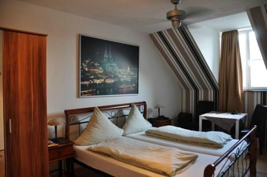 Balthasar Neumann Speiserei & Gästehaus: Zimmer 210