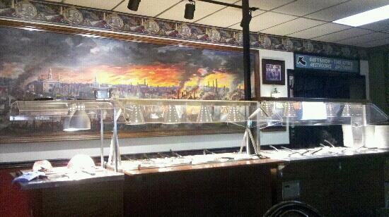 General Pickett's Buffets : Main course buffet area with neat picture of Gettysburg battle on wall