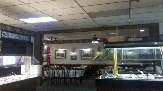 General Pickett's Buffets : one of the dining areas at the buffet, walls are decorated with Gettysburg battle theme items