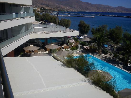Anastasia Hotel Karystos: Θέα ξενοδ και πισίνας από το δωμάτιο