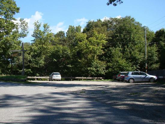 Parking at the trailhead for Overlook Mountain.