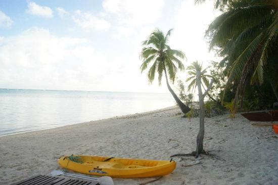 Aitutaki Beach Villas: Beach