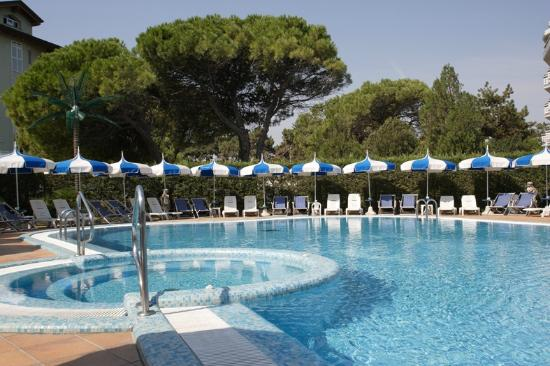 Hotel Principe Caorle : Piscina