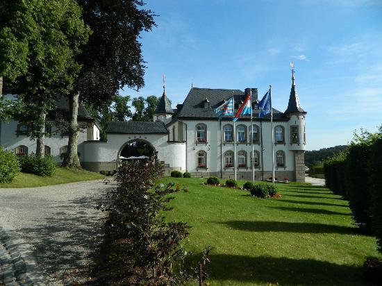 Château d'Urspelt : Entrée