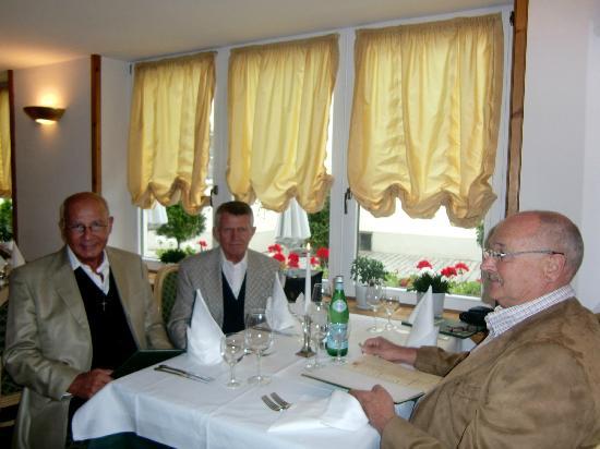 Trattoria La Casa Vecchia: ... in freudiger Erwartung ...