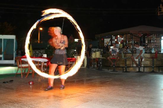Hotel Kalender: fire dance