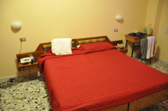 Albergo Seggiovia : camera da letto