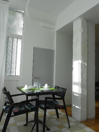 Oporto House: sala colazione
