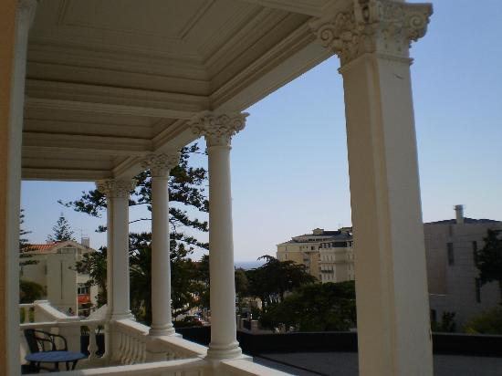 Hotel Inglaterra: Columnas en la terraza