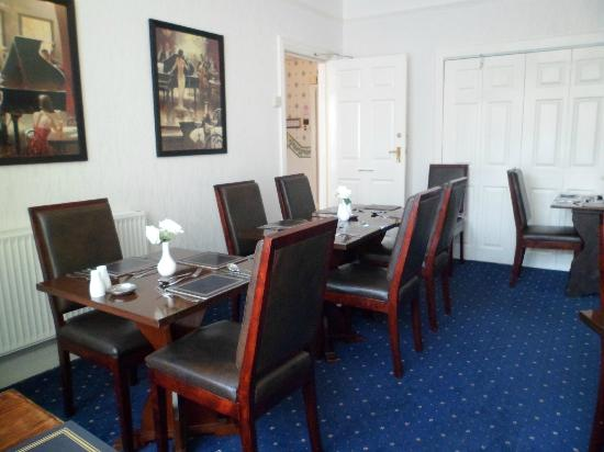The Woodside: Dining room