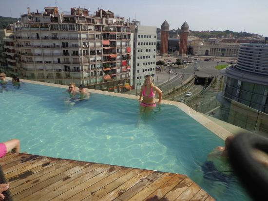 Foto de b hotel barcelona piscine sur le toit tripadvisor - Barcelone hotel piscine interieure ...