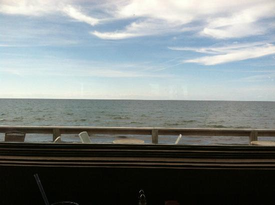 Fitzgerald's Restaurant: The view from our table!