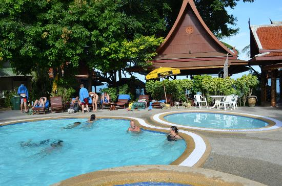 Bill Resort: piscine et jaccuzi