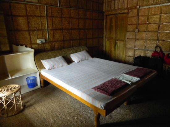 Ashtamudi Homestay: Non AC Room pic 2