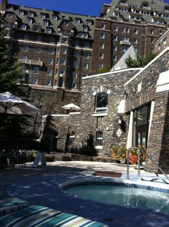 Outdoor Hot Tub Area Picture Of Willow Stream Spa At The