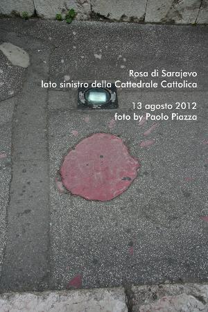Katedrala Srca Isusova: Rosa di Sarajevo - Lato sinistro Cattedrale Cattolica