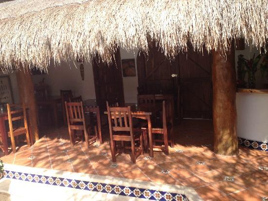 بوزادا يوم كين هوتل: Breakfast area 
