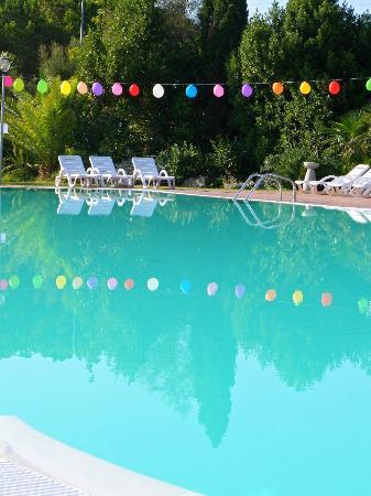 Camping Le Tamerici: La nostra piscina! Our Swimmingpool! Unser Schwimmbad!