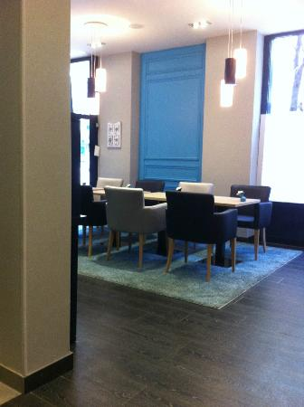 BEST WESTERN Prince Montmartre: hall e tavoli colazione