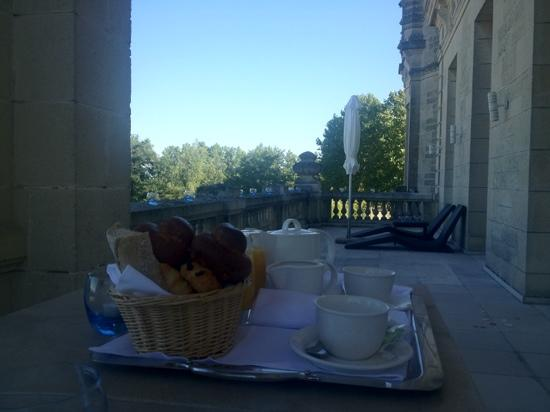 Chateau Grand Barrail: Breakfast on the Balcony