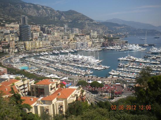 Princess Grace Botanical Garden: Port de Monaco.