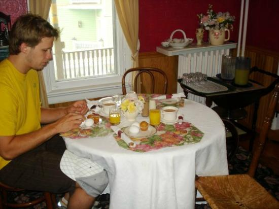 "Pine Cottage B&B: our ""petite"" breakfast"