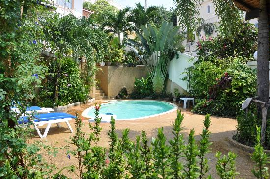 Oasis Villa: Pool Relax area