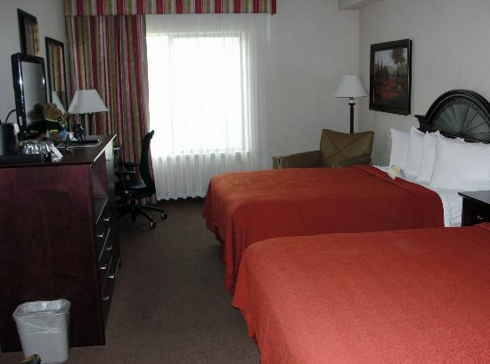 Quality Inn & Suites Conference Center: Our room