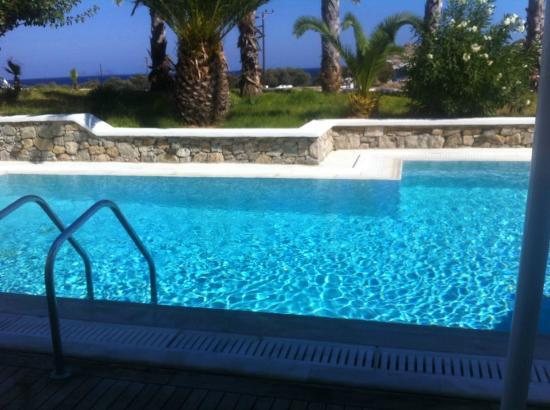 La Residence Mykonos Hotel Suites: Camera con piscina
