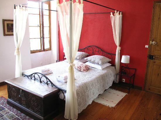 Maison Prades : Chambre Rose - Rose room