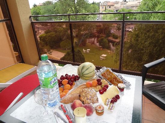 Hotel Les Nevons: pic nic no terraço