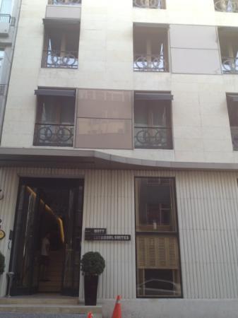 Witt Istanbul Suites: facciata hotel
