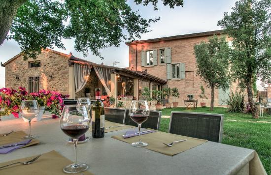 Antica Locanda Sant'Anna: Il ristorante all'aperto